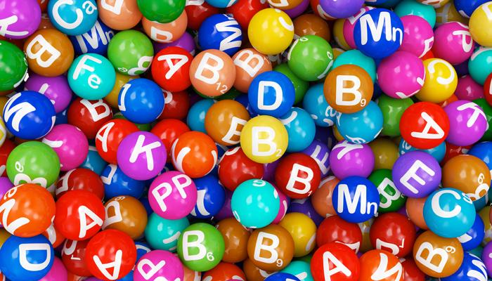 Il corpo necessita, inoltre, le seguenti minerali, vale a dire, ferro, magnesio, cromo, fosforo, calcio, rame, selenio, fluoro, iodio e zinco.