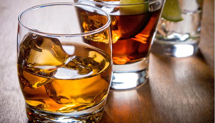 Che aggiungere al cibo da alcolismo